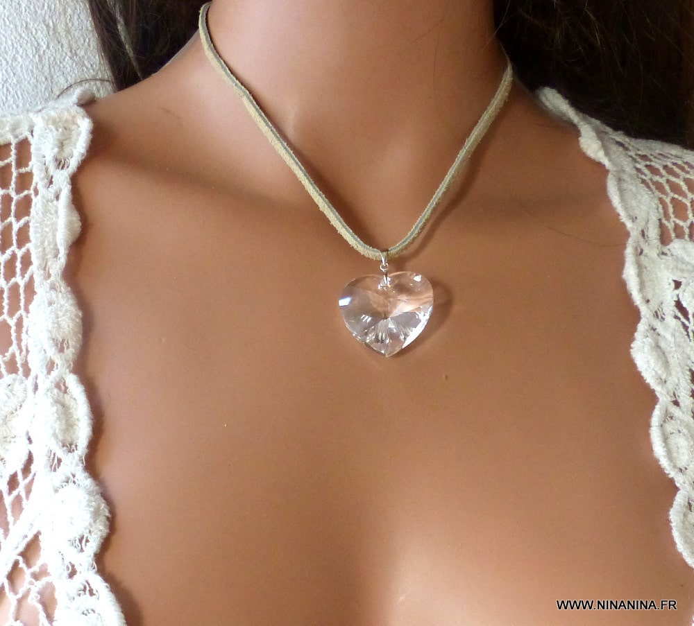 Pendentif coeur swarovski blanc collier cordon daim